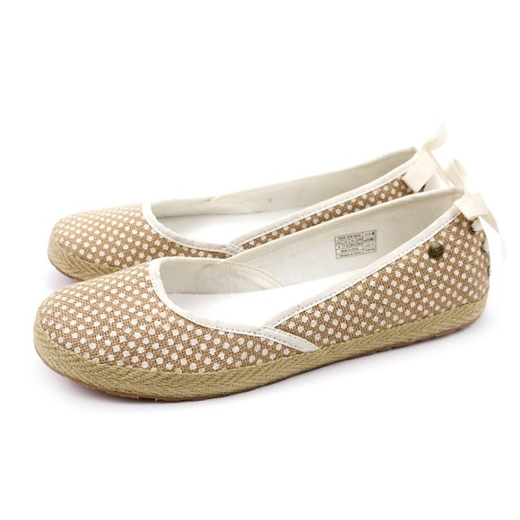 6ee7cbed192 UGG Indah Burlap White Polka Dot Ballet Flats 🔥